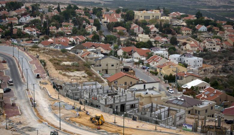 خط مياه اسرائيلي على أراضي قلقيلية لتغذية المستوطنات بالمياه