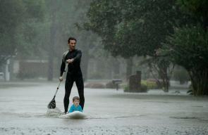 ولاية تكساس تغرق بعد اعصار هارفي المدمر