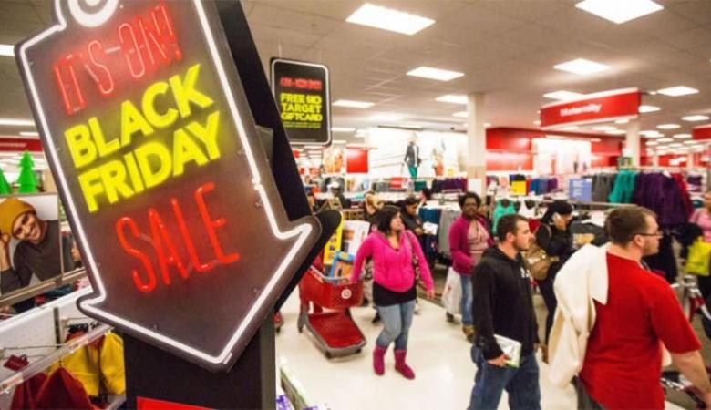 """خلال """"الجمعة السوداء""""..مبيعات الإنترنت تسجل رقما قياسيا"""