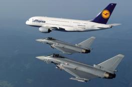 مقاتلات قطرية تقترب من طائرتين إماراتيتين في سماء البحرين