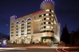 رام الله : تغيير اسم فندق الموفنبيك بعد بيعه