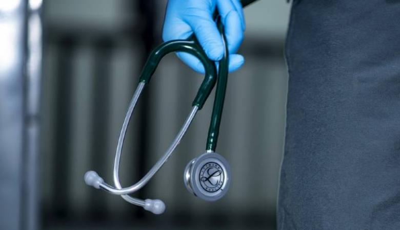 العليا تقرر وقف إضراب الأطباء..والنقابة: نحترم القرار