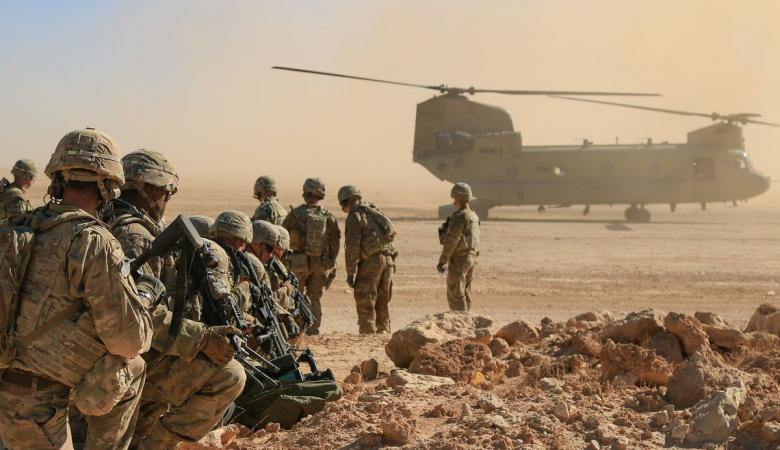 قاعدة امريكية في العراق  تتعرض لقصف بقذائف الهاون