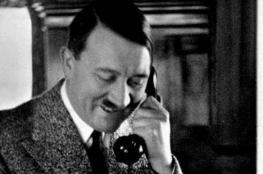 """هاتف """"هتلر"""" الشخصي للبيع في مزاد علني"""