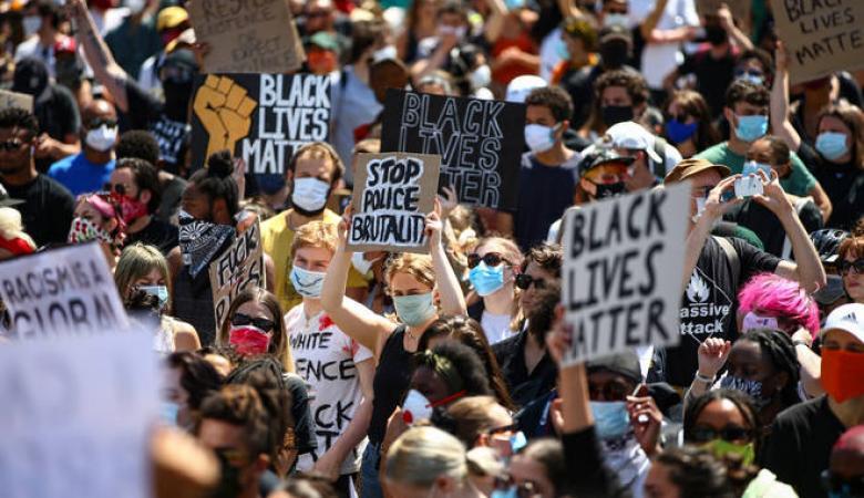 الاستراليون ينزلون الى الشوارع تضامناً مع التظاهرات في اميركا