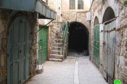وفد من البرلمان الاوروبي يطلع على الاوضاع في البلدة القديمة بالخليل