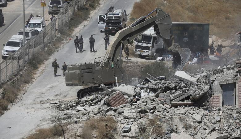 """""""اسرائيل """" تخطر بهدم 6 منازل في الطيرة برام الله"""