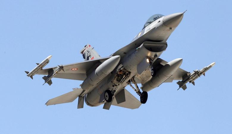 """تركيا تسقط طائرة حربية ارمينية من نوع """"سوخوي -25"""""""