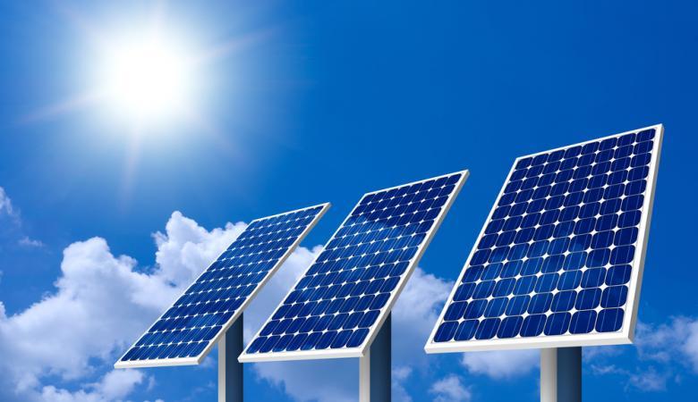 اتفاقية لبناء محطات طاقة شمسية في أريحا وطوباس