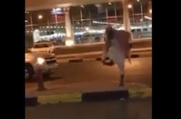 """السعودية تعتقل واعظاً  رمى فتاة بالحذاء في الشارع وشتمها يا """"زانية"""""""