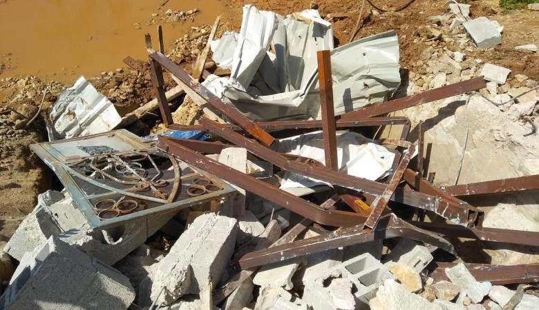 الاحتلال يهدم غرف زراعية وبئر لجمع المياه في دير بلوط