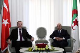 أردوغان من الجزائر : لا حل عسكري للازمة الليبية