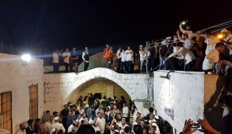 مئات المستوطنين يقتحمون قبر يوسف في نابلس فجر اليوم