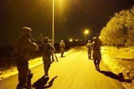 قوات الاحتلال تعتقل 30 مواطناً من الضفة الغربية