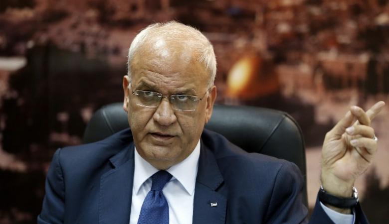 عريقات يطالب المدعية العامة للجنائية الدولية بفتح تحقيق فوري بجرائم الاستيطان