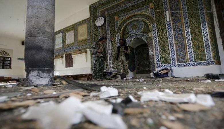 مختل عقلي يقتل ويصيب 16 شخصًا بمسجد في اليمن