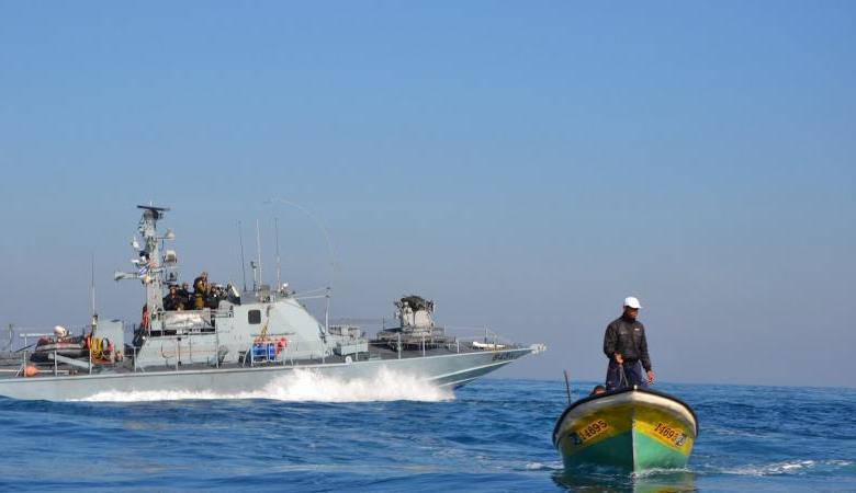 بحرية الاحتلال تصادر قاربين وتعتقل 4 صيادين جنوب غزة