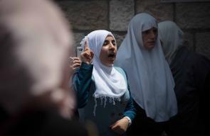 مرابطون على عتبات المسجد الاقصى رفضاً لإجراءات الإحتلال