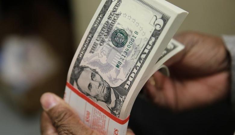 قروض الحكومة لدى البنوك ترتفع لاعلى مستوى في 8 اشهر