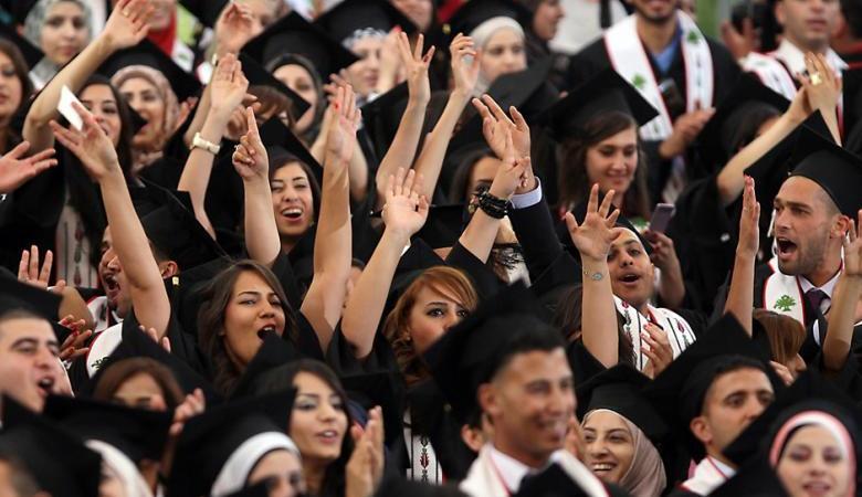 احصائية جديدة تكشف معلومات صادمة عن الشباب الفلسطيني