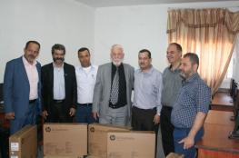 جهاز المخابرات يتبرع بخمس اجهزة حاسوب لصالح مدرسة في قلقيلية