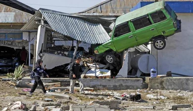 كارثة اندونيسيا : ارتفاع اعداد ضحايا التسونامي المدمر