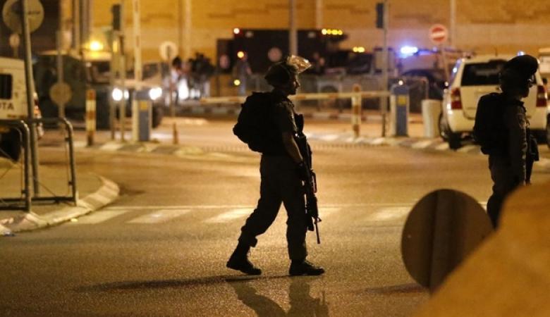 """الاحتلال يعتقل """"12 """" مواطناً من الضفة الغربية"""