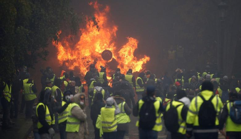 """فرنسا.. احتجاجات """"السترات الصفراء"""" تتواصل بأسبوعها التاسع"""
