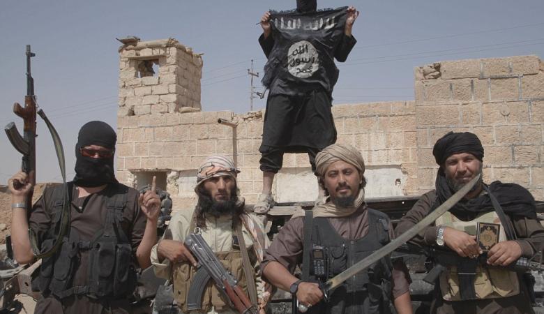 داعش يقتل العشرات من الأكراد في هجوم قرب الرقة السورية