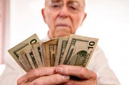 الدولار يواصل تراجعه أمام الشيكل