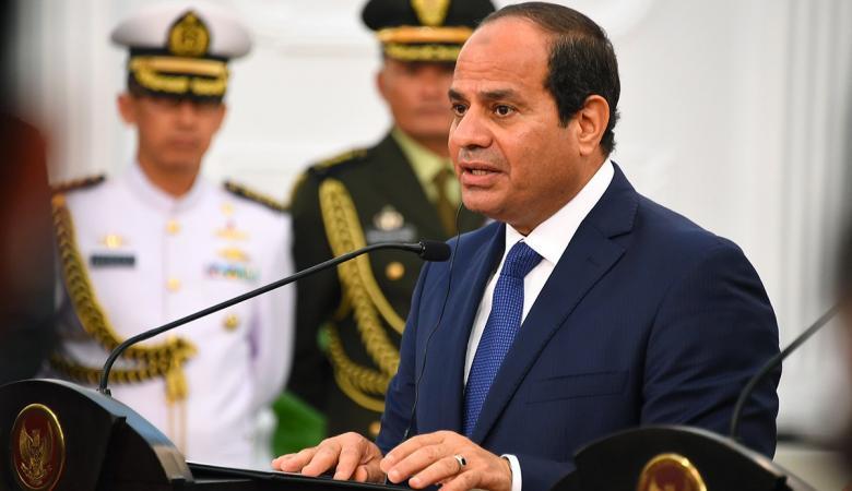 الرئيس المصري يدعو نظيره الجزائري لزيارة القاهرة