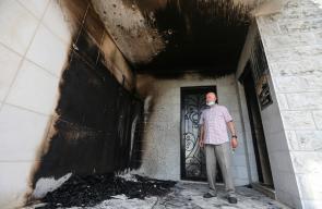 مستوطنون يحرقون مسجداً  في مدينة البيرة وسط الضفة الغربية