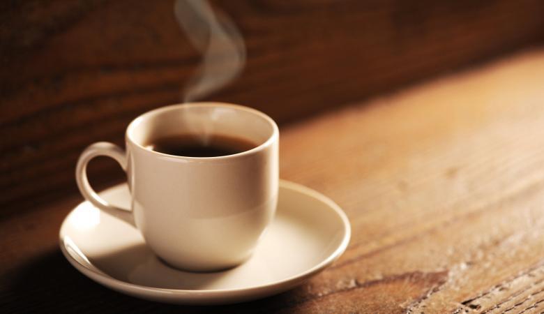 دراسة صادمة: تناول القهوة قبل الإفطار قد تسبب السكري