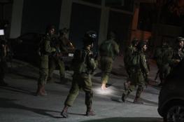 الاحتلال يعتقل خمسة  مواطنين بينهم قاصرون  من الضفة الغربية