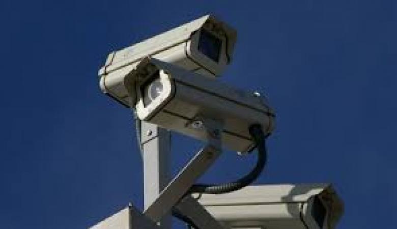 الاحتلال يبدأ بتركيب كاميرات مراقبة بشوارع الضفة للحد من العمليات!