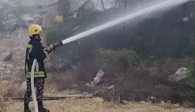 إصابة مواطن بالاختناق إثر حريق بمنزله في مدينة جنين
