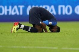 بوغبا أول لاعب يسجد في تاريخ نهائي المونديال