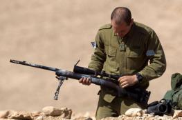قناة عبرية : فلسطينيان حاولا خطف سلاح جندي اسرائيلي
