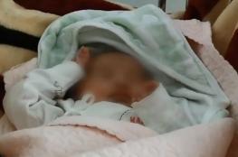 لبنان.. رمى طفلته الرضيعة بالشارع لعدم استطاعته إعالتها