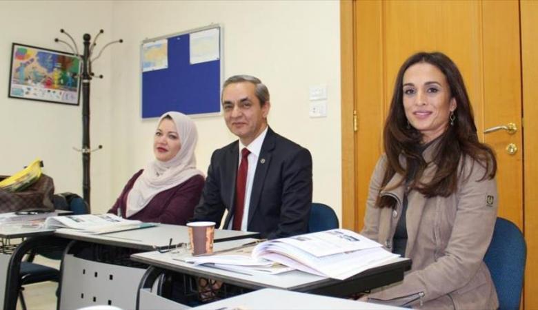 أميرة اردنية على مقاعد تعلم  اللغة التركية