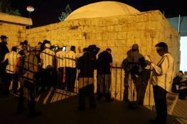 إصابة صحفي ومسعف خلال مواجهات في محيط قبر يوسف بنابلس