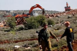 لليوم الثاني على التوالي ..الاحتلال يجرف اراضي جنوب الخليل