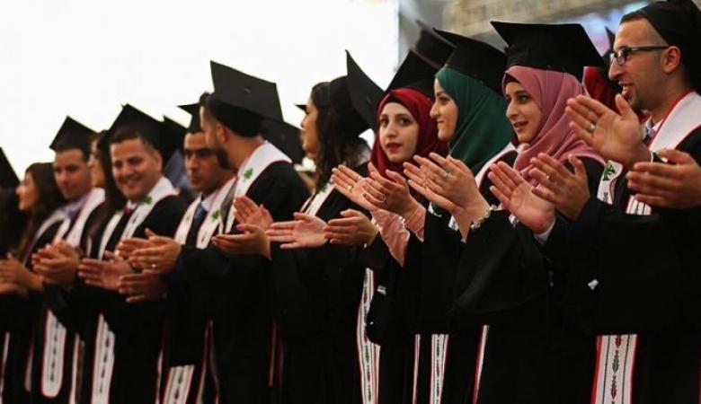 """""""الإحصاء"""": 1.14 مليون شاب في فلسطين يشكلون حوالي خمس المجتمع"""