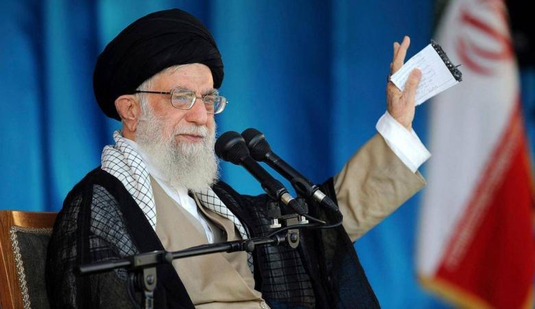 موقع إيراني: خامنئي أبلغ وسيطاً استعداد إيران للتفاوض مع أمريكا