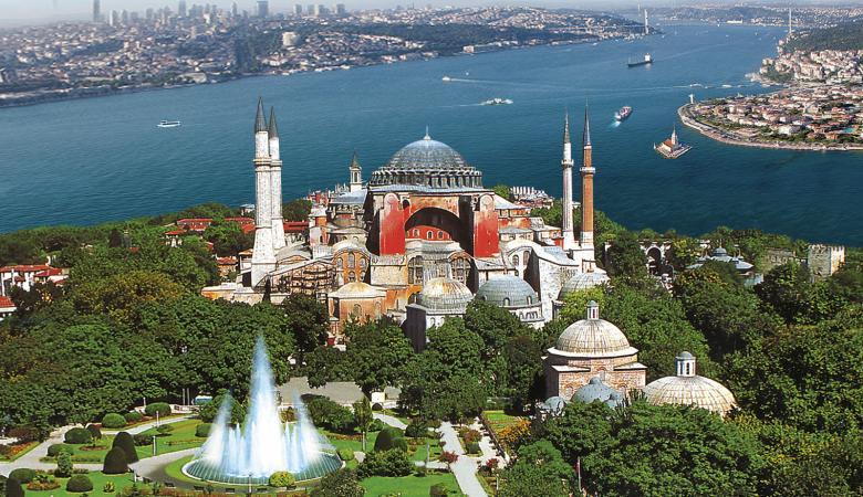 """أول تعليق اماراتي على تحويل """"آيا صوفيا"""" إلى مسجد"""