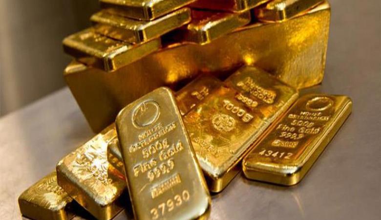شاب يعثر على 62.46 مليون شيقل وكتلة كبير في الذهب في منزله