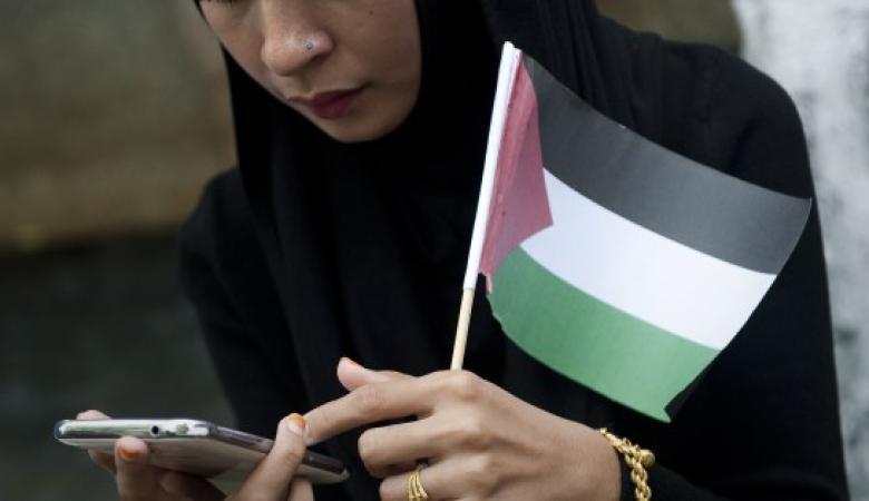 """الفلسطينيون يحققون رقما ً عالمياً جديداً  في  """"فيسبوك """""""