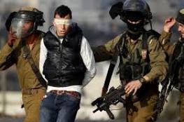 الاحتلال يعتقل شابًا ويفتّش منازلاً بالخليل