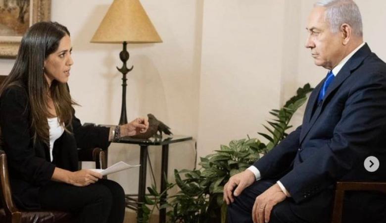 """نتنياهو يدوس على كتاب """"الأدب في إسرائيل"""" خلال مقابلة تلفزيونية"""
