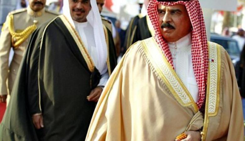 مستشار ملك البحرين : سنطبع العلاقات بشكل كامل مع الاحتلال